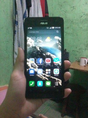 Asus Zenfone 5 (Latest) 16GB and 2GB RAM photo