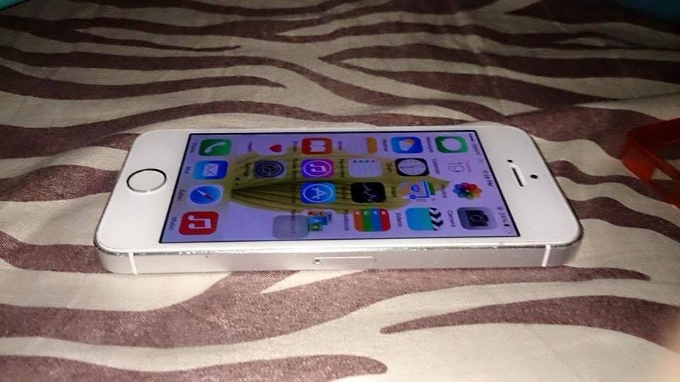 Iphone 5 15 gb smart locked photo