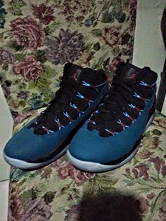 Jordan Prime Flight - Size 9 photo