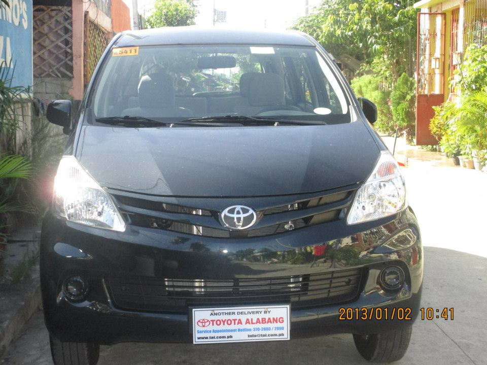 Car for rent / hire with driver (toyota avanza) photo