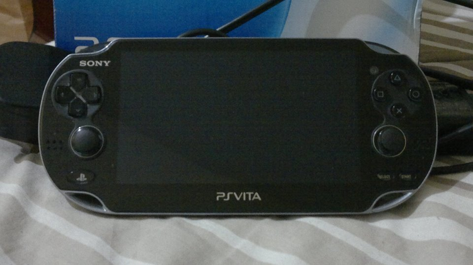 PS Vita Phat 8GB with 3 games photo