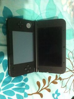 Nintendo 3DS XL US Version photo