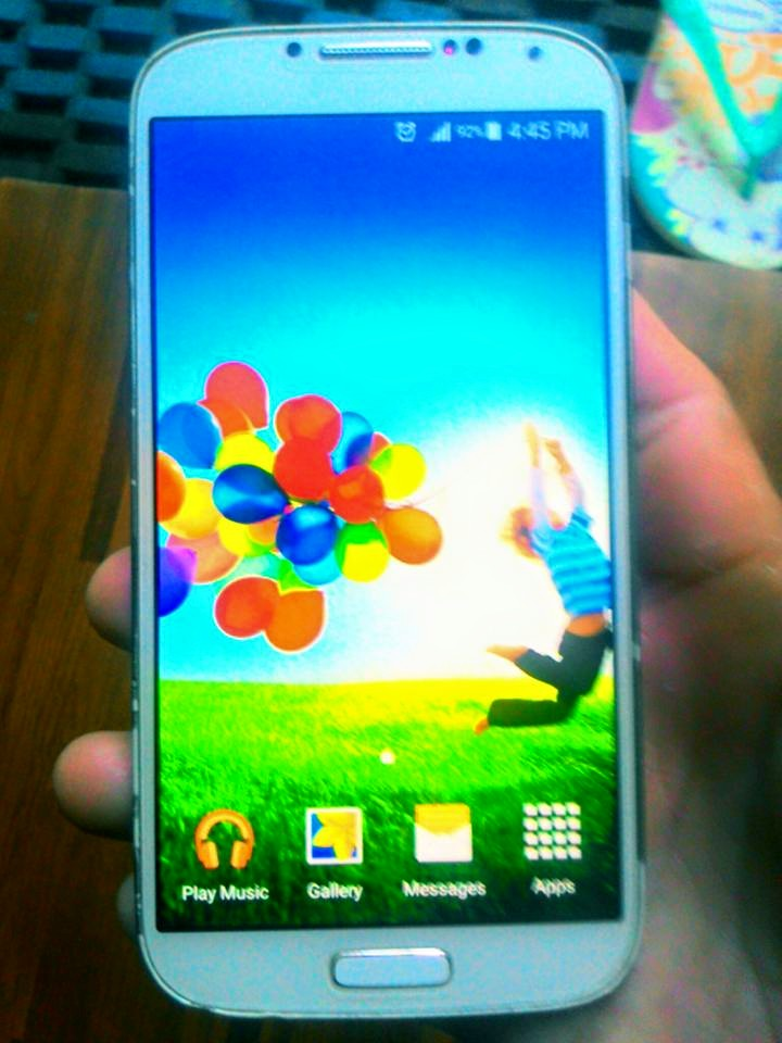 Samsung galaxy s4 GT-I9505 photo
