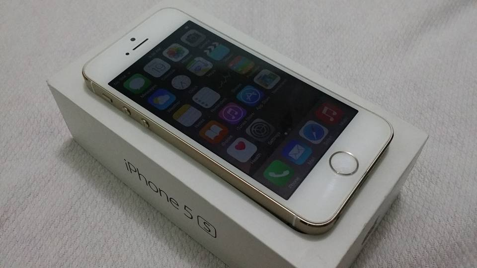 Apple iPhone 5S Gold 64GB Factory Unlocked photo