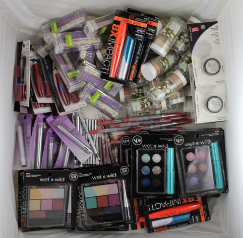 200pcs. Wholesale Makeup Wet n Wild Maybelline Hard Candy photo
