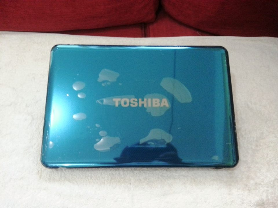 Toshiba satellite M840 core i3 2.50ghz 2gb Radeon HD 7600M 3rd gen gaming photo