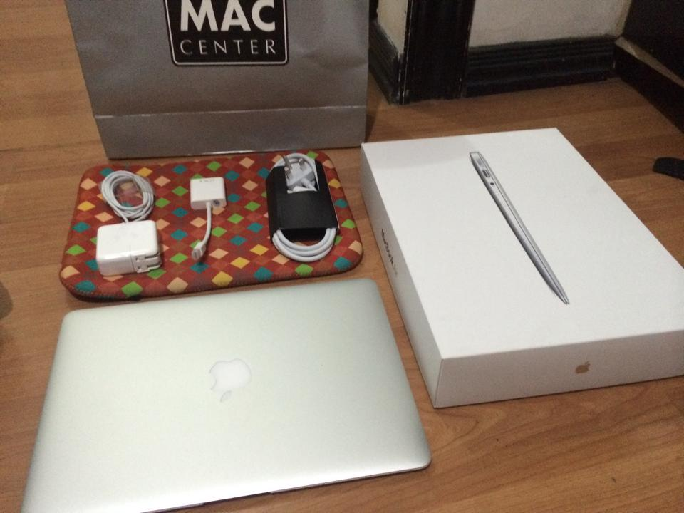 2014 MacBook Air 13 inch 168GB photo