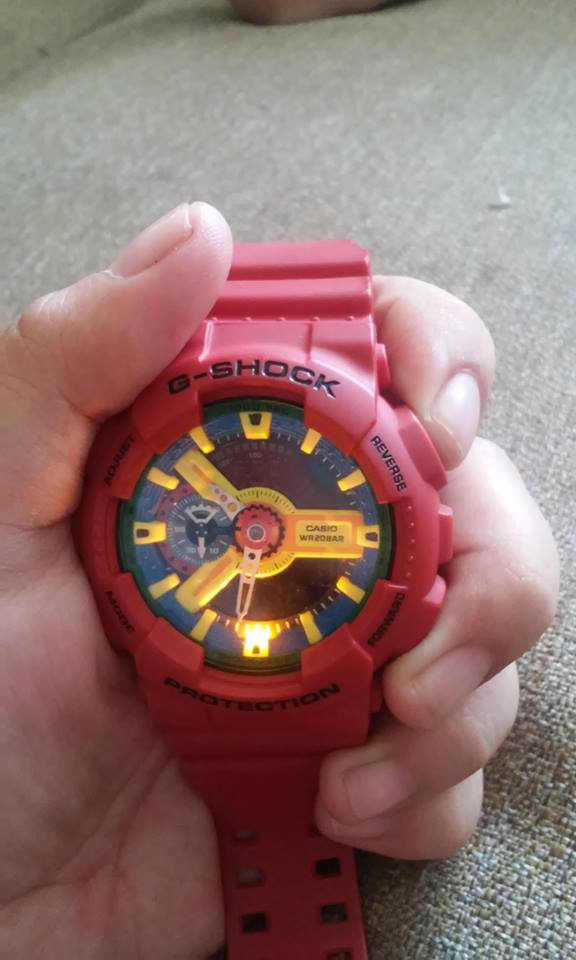 G-SHOCK red photo