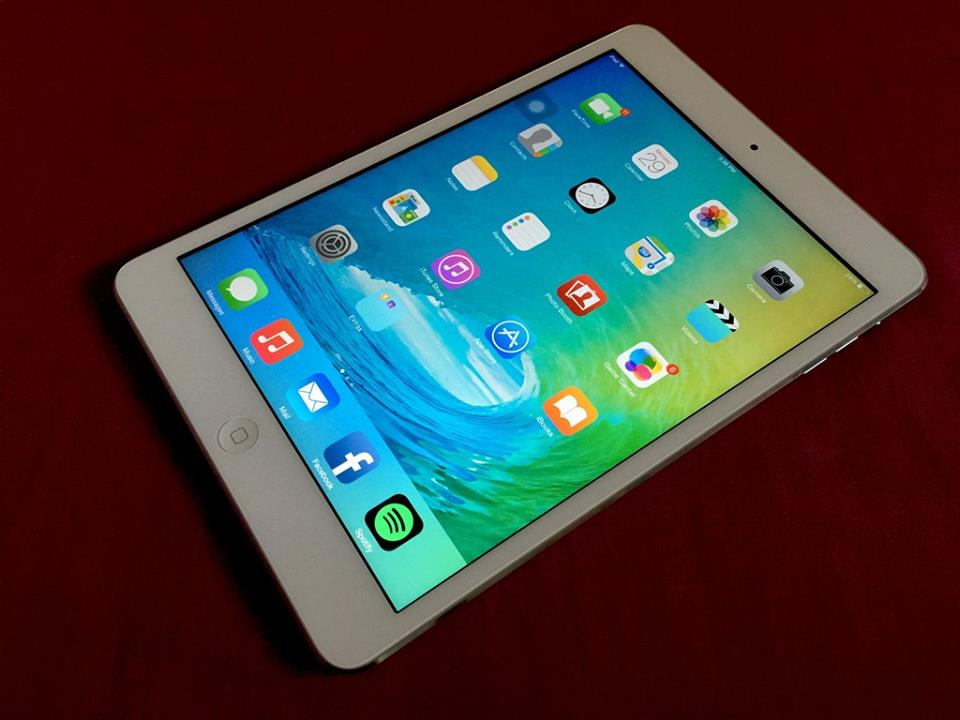 ipad mini 2 with retina display 32gb wifi complete. Black Bedroom Furniture Sets. Home Design Ideas