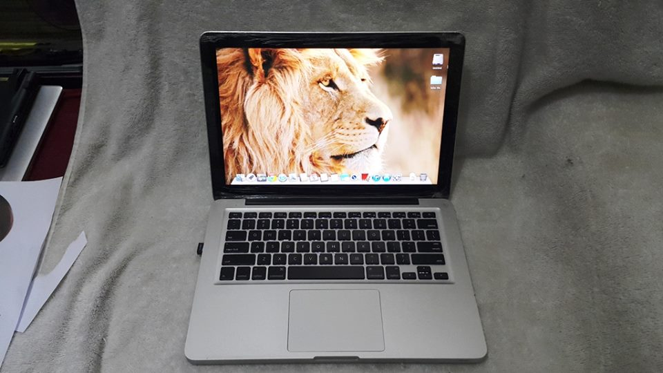 Macbook Pro 2010 model photo