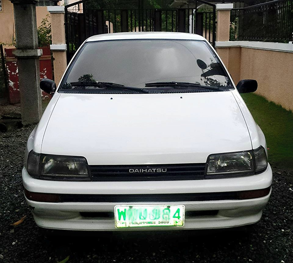 2000 MODEL DAIHATSU CHARADE photo