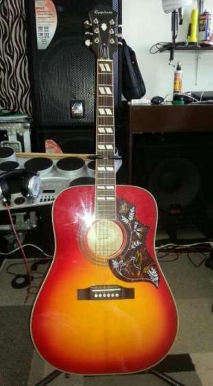 Epiphone Hummingbird Acoustic Guitar photo