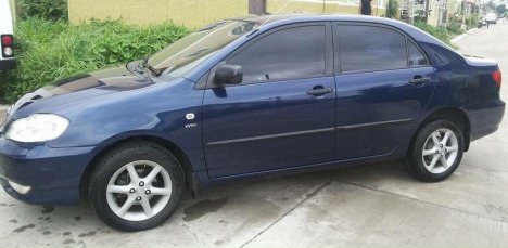 Toyota Corolla Altis 2004 model photo