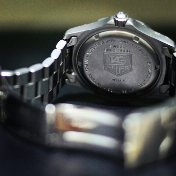 TAG Heuer Professional 2000 Series Full Men Size Watch image 4