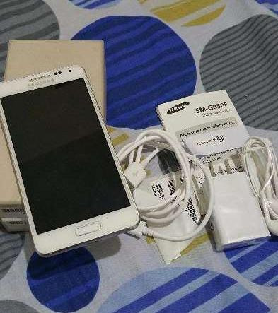 Samsung Galaxy Alpha 32GB white photo