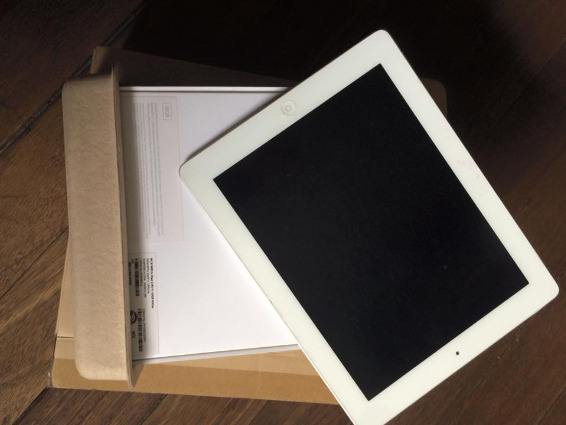 Ipad 2 16gb w/box only photo