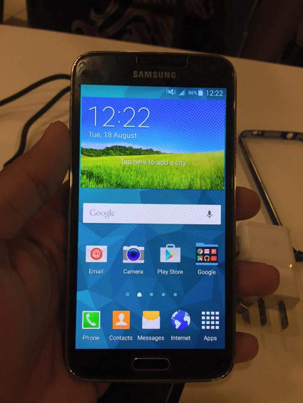 Samsung GALAXY S5 gold. 16gb Openline photo