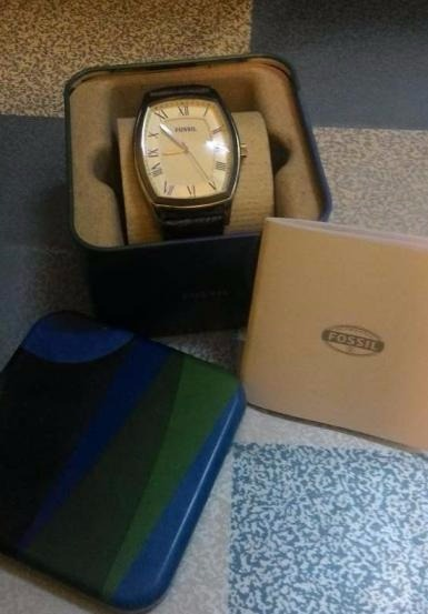 Fossil mens watch photo
