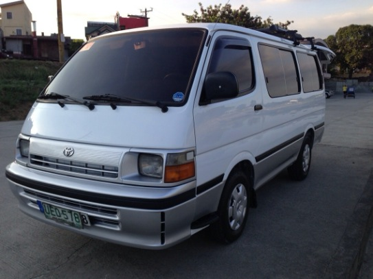 Toyota hi-ace 1995 photo
