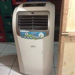 Nihon 1.5hp portable aircon 27sqr.meter photo