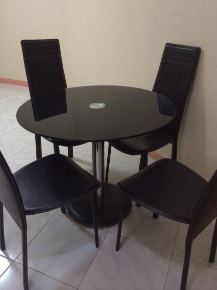 4 seater dining image 2