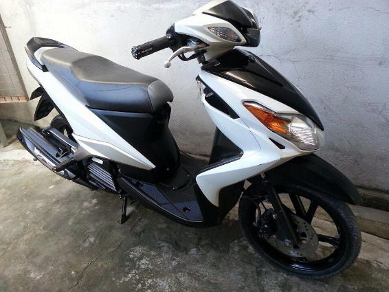 Yamaha Mio mx125 carby Limited color 2011 photo