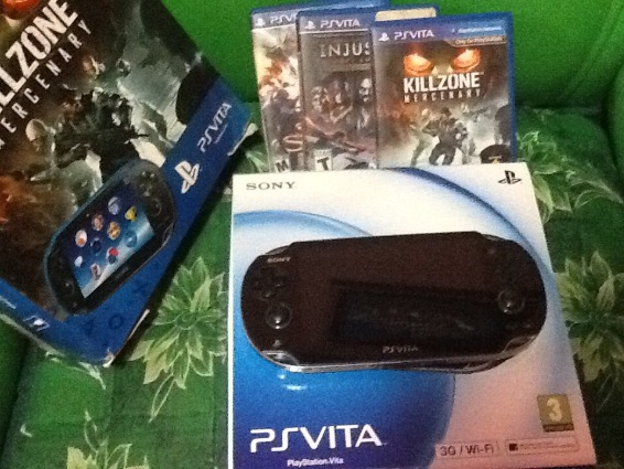 PSVITA 3G/wifi +3 Games+16gb sd card memmory photo
