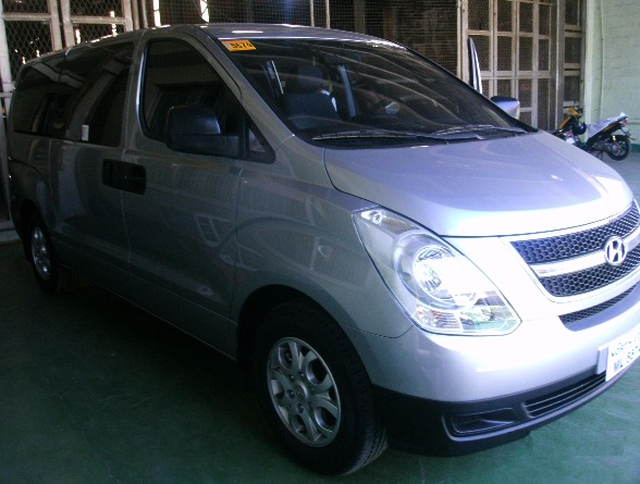 Van/ Toyota Grandia for RENT photo
