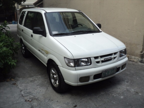 2002 isuzu crosswind xto automatic photo