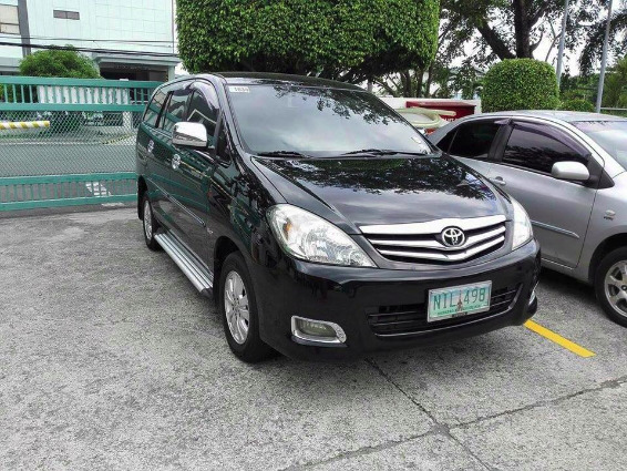 Toyota Innova G 2010 diesel top of the line photo