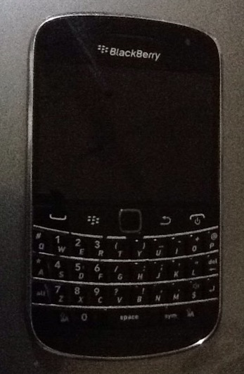 Blackberry Bold 9900 Smartphone (Wifi,3G) photo