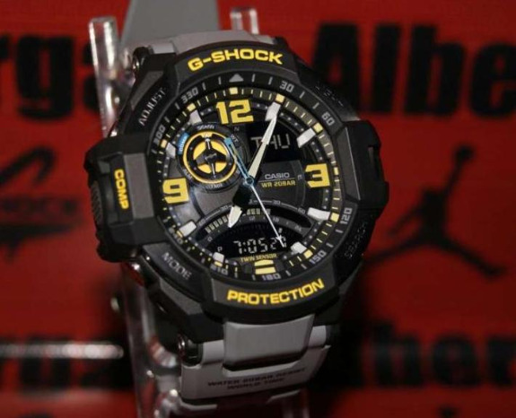 G-shock ga1000-8a aviator photo