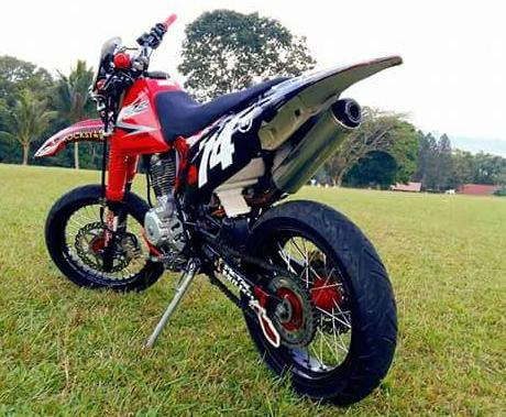 Honda xr 200 motard photo