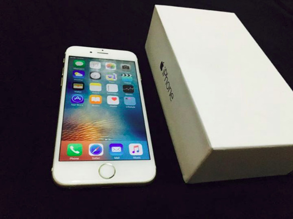 iPhone 6 16gb gold Factory unlocked image 3