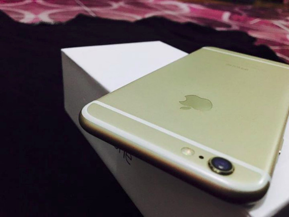 iPhone 6 16gb gold Factory unlocked image 5