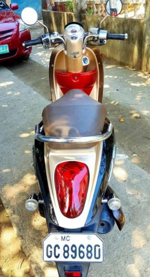 Honda Scoopy 2013 model image 2