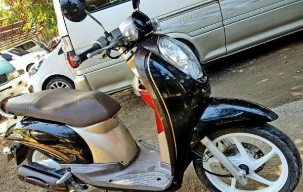 Honda Scoopy 2013 model image 3