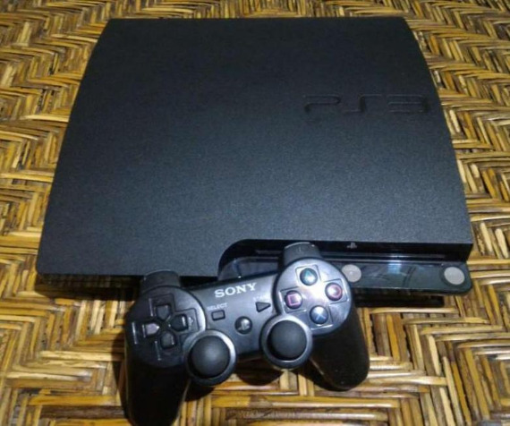 PS3 Slim 120gb photo
