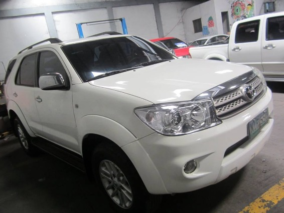 Toyota Fortuner 2009 G DIESEL AT - 798T image 2