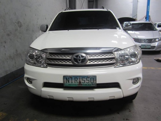 Toyota Fortuner 2009 G DIESEL AT - 798T image 3