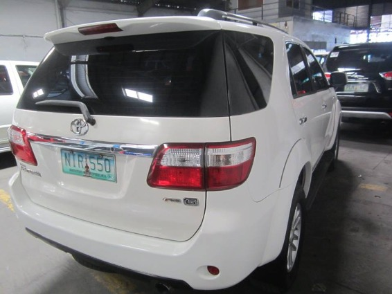 Toyota Fortuner 2009 G DIESEL AT - 798T image 5