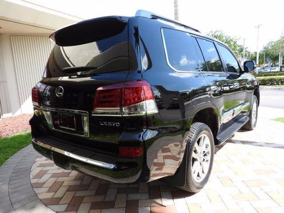 Selling My Used 2015 LEXUS LX570 V8 full option image 2