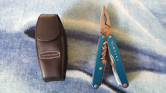 Leatherman - Juice® CS4 Multi-Tool, Columbia Blue photo