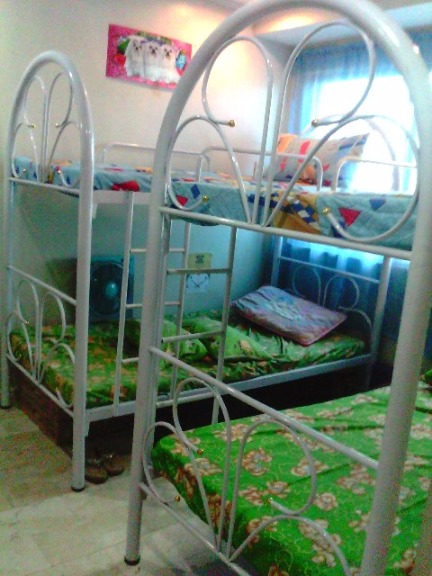 Dormitory/Bedspacer Ladies Php5500 monthly per person. SHARE-A-place–Airconditioned. KATIPUNAN , LOYOLA HEIGHTS, ATENEO ADMU MC MIRIAM UP Diliman photo