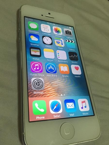 Rush Sale iPhone 5 16GB Factory Unlocked photo
