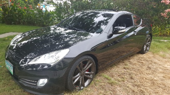 Genesis coupe 3.8GT 2011 top of the line photo