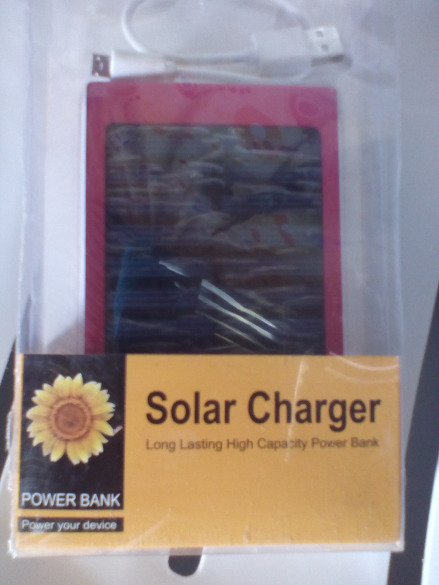 SOLAR CHARGER POWERBANK photo