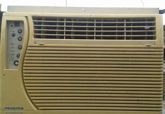 Fedders window type aircon 1/2hp photo