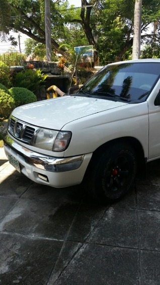 nissan frontier 2001 image 3