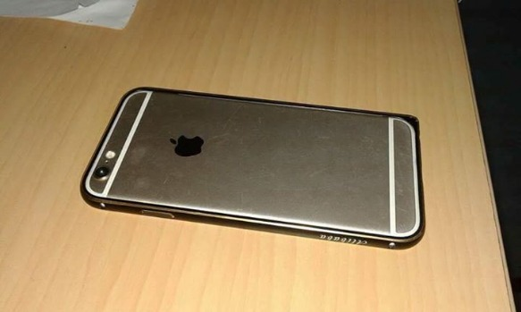 Iphone 6 Gold 64GB image 2